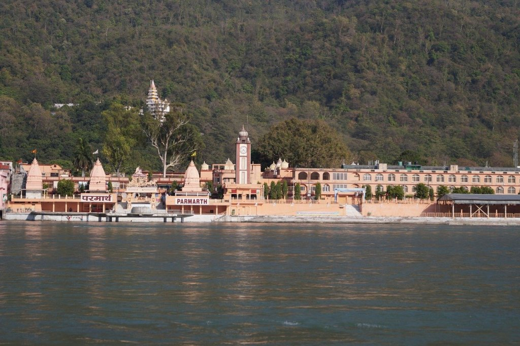 temple at rishikesh