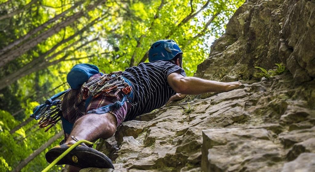 rock climbing in rishikesh