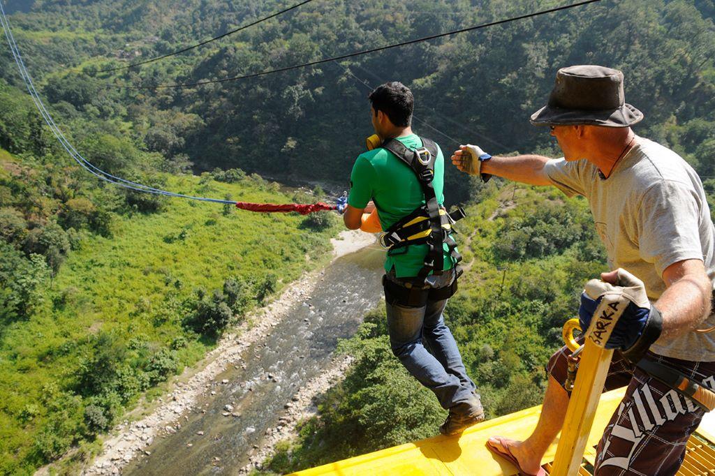 giant swing rope based activities in rishikesh