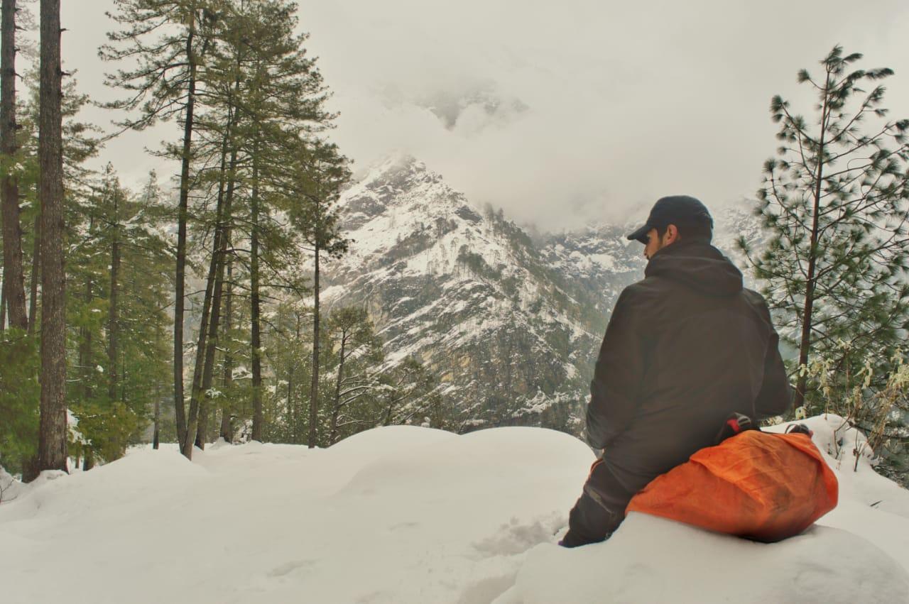 view of himalayan massif from kedarkantha trek