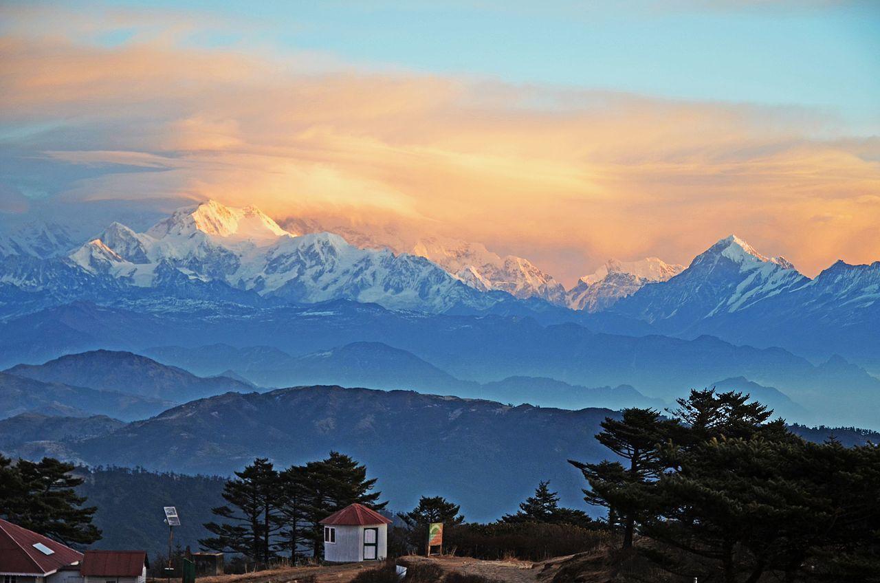 mount kanchenjunga view from sandakphu trek