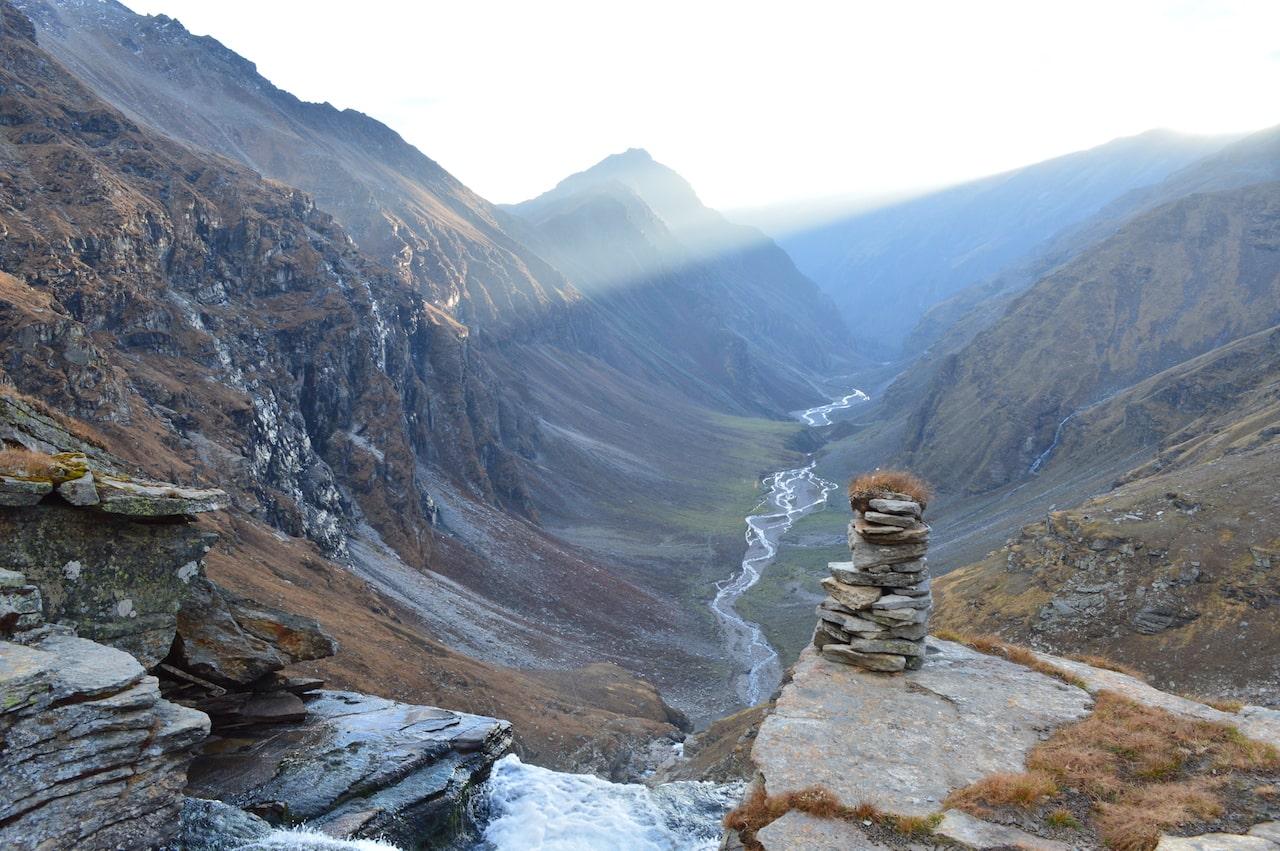 rupin pass trek lower waterfall