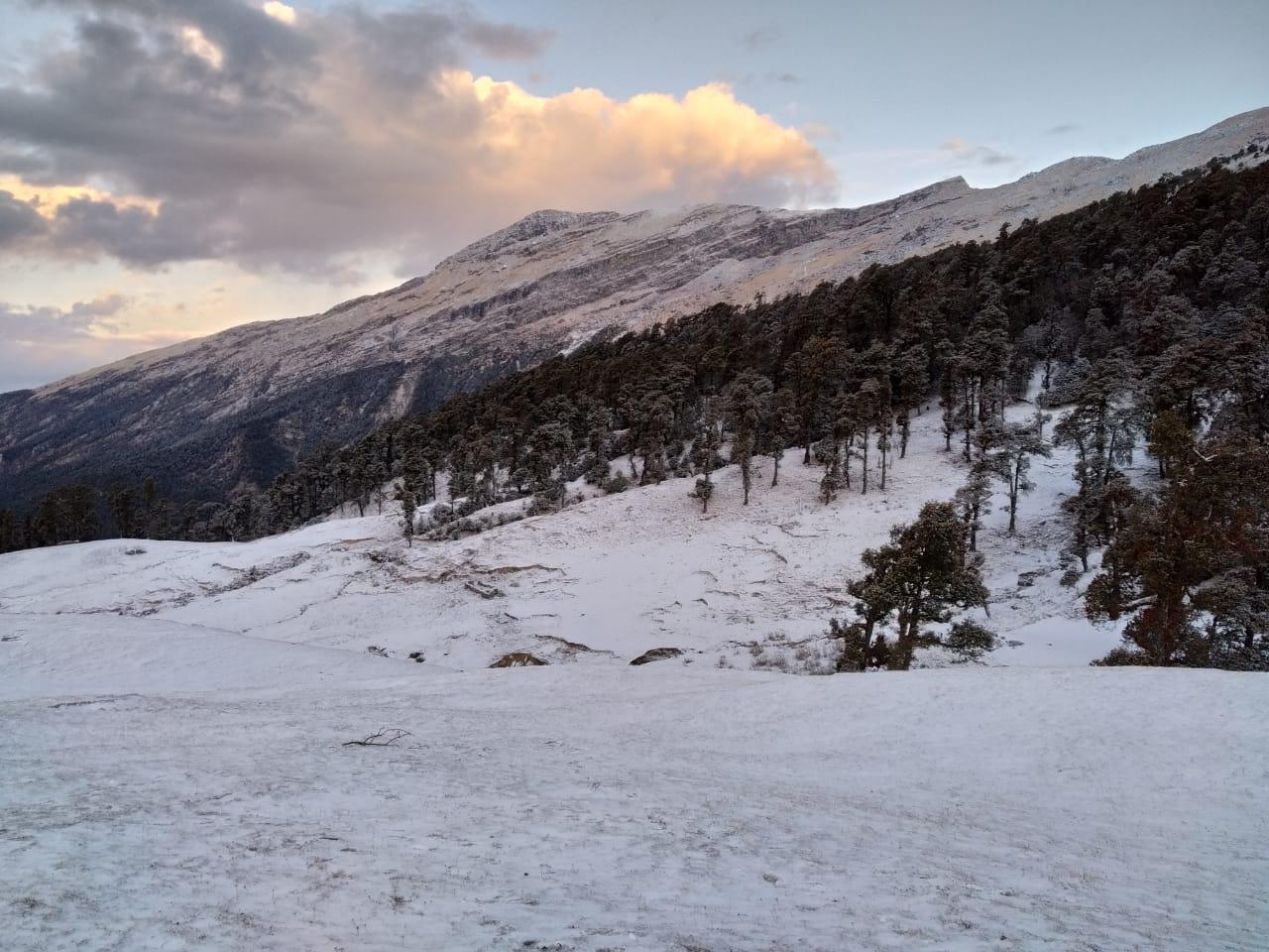 brahmatal trek route in winters