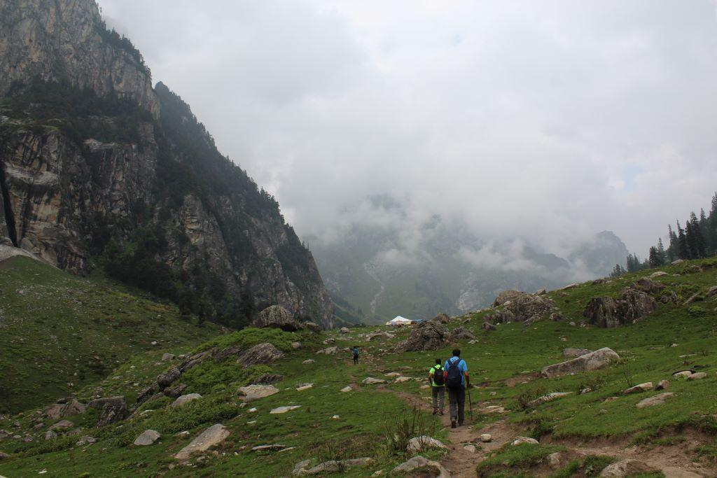 chika campsite hampta pass trek