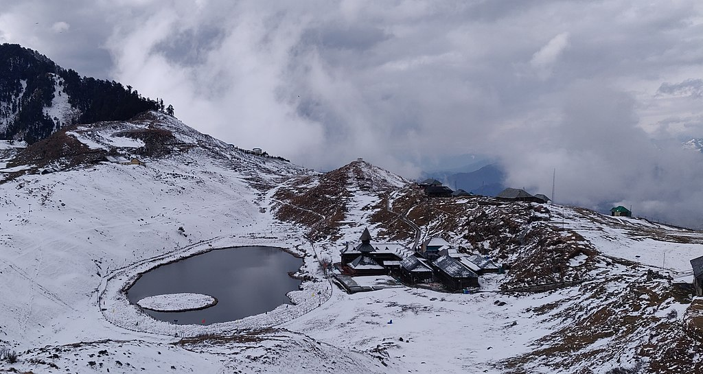 prashar lake in winter
