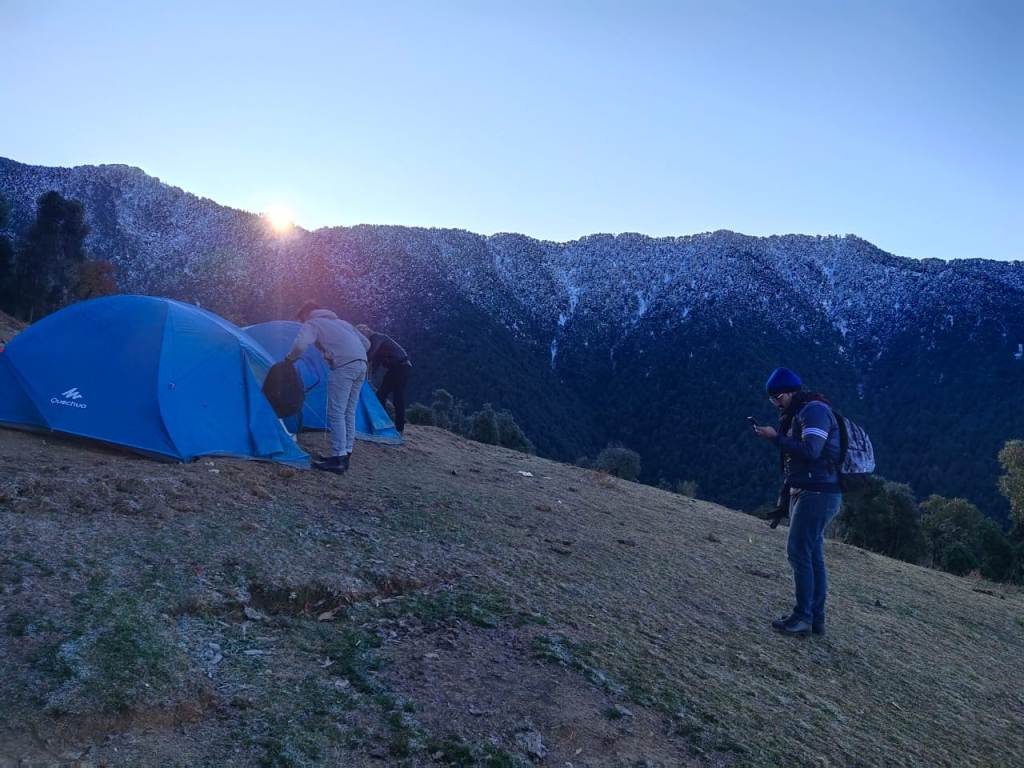 campsite at nag tibba trek