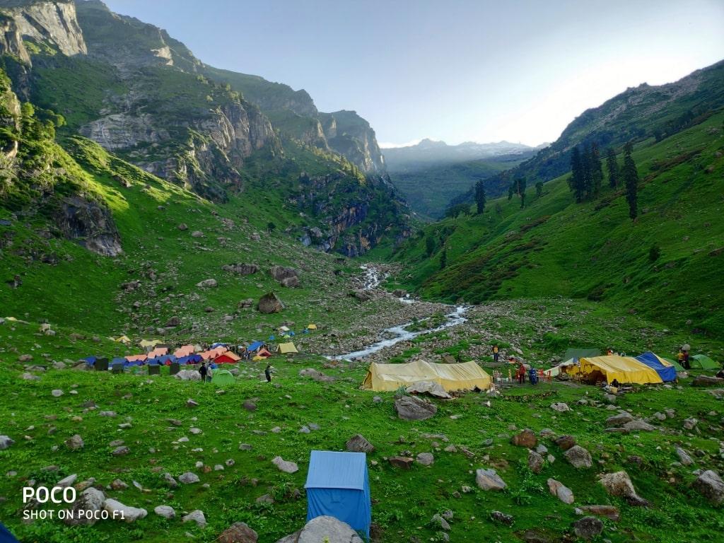 moxtain campsite at hampta pass trek