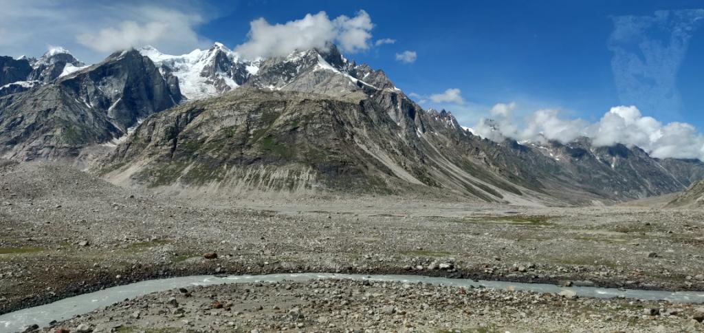 himalayan ranges enroute hampta pass trek