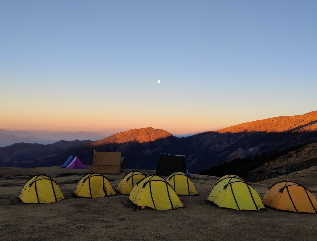 evening view at brahmatal campsite