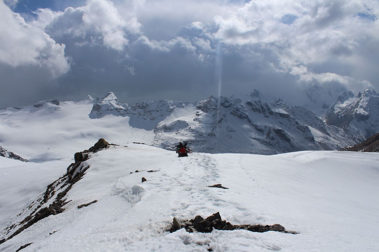 pin parvati pass covered with snow