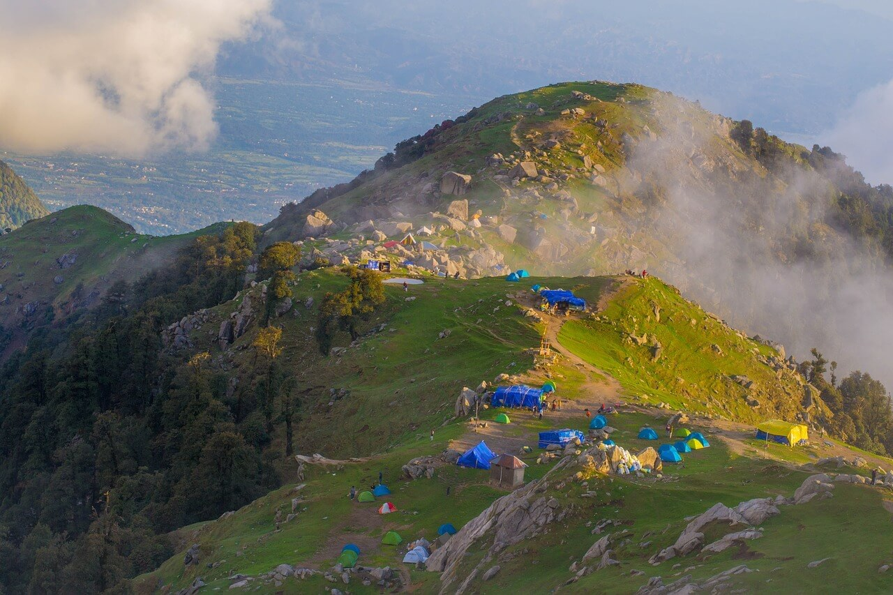 triund trek campsite