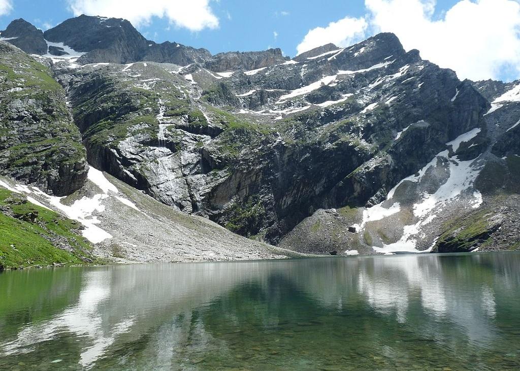 hemkund lake